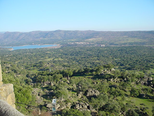 Valcorchero y Sierra del  Gordo - Foto: Francisco Javier García Núñez@Wikipedia