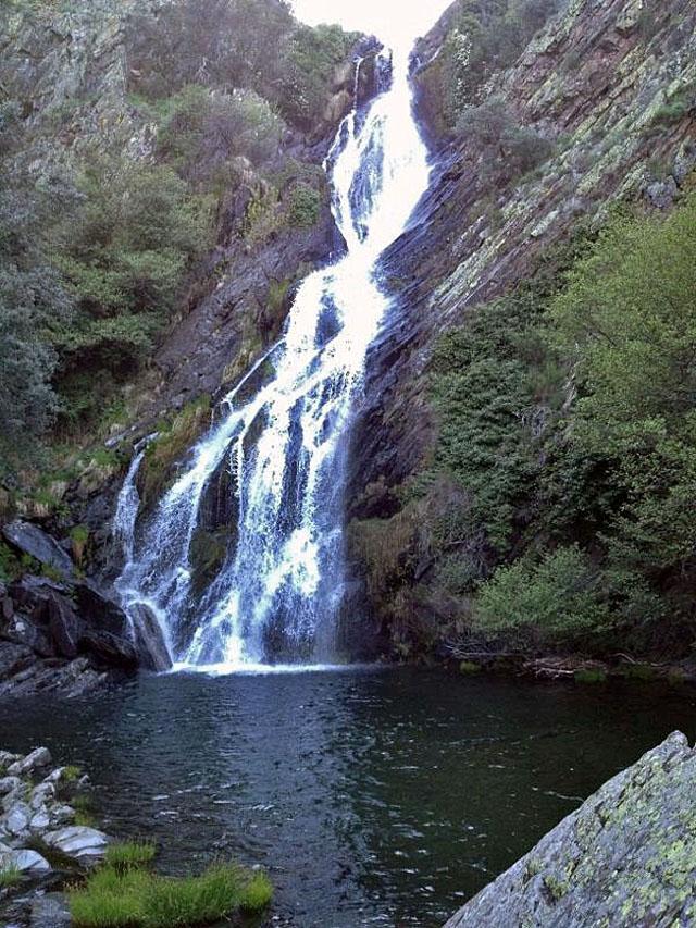 Cascada del Chorrituelo, en Ovejuela (Las Hurdes)