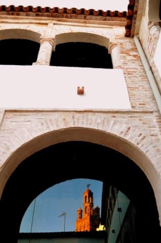 museo-ciudad-de-llerena-torre-reflejada